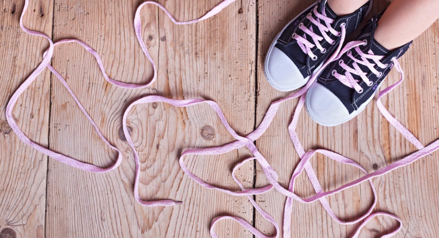 Ako deti naučiť zaviazať si šnúrky